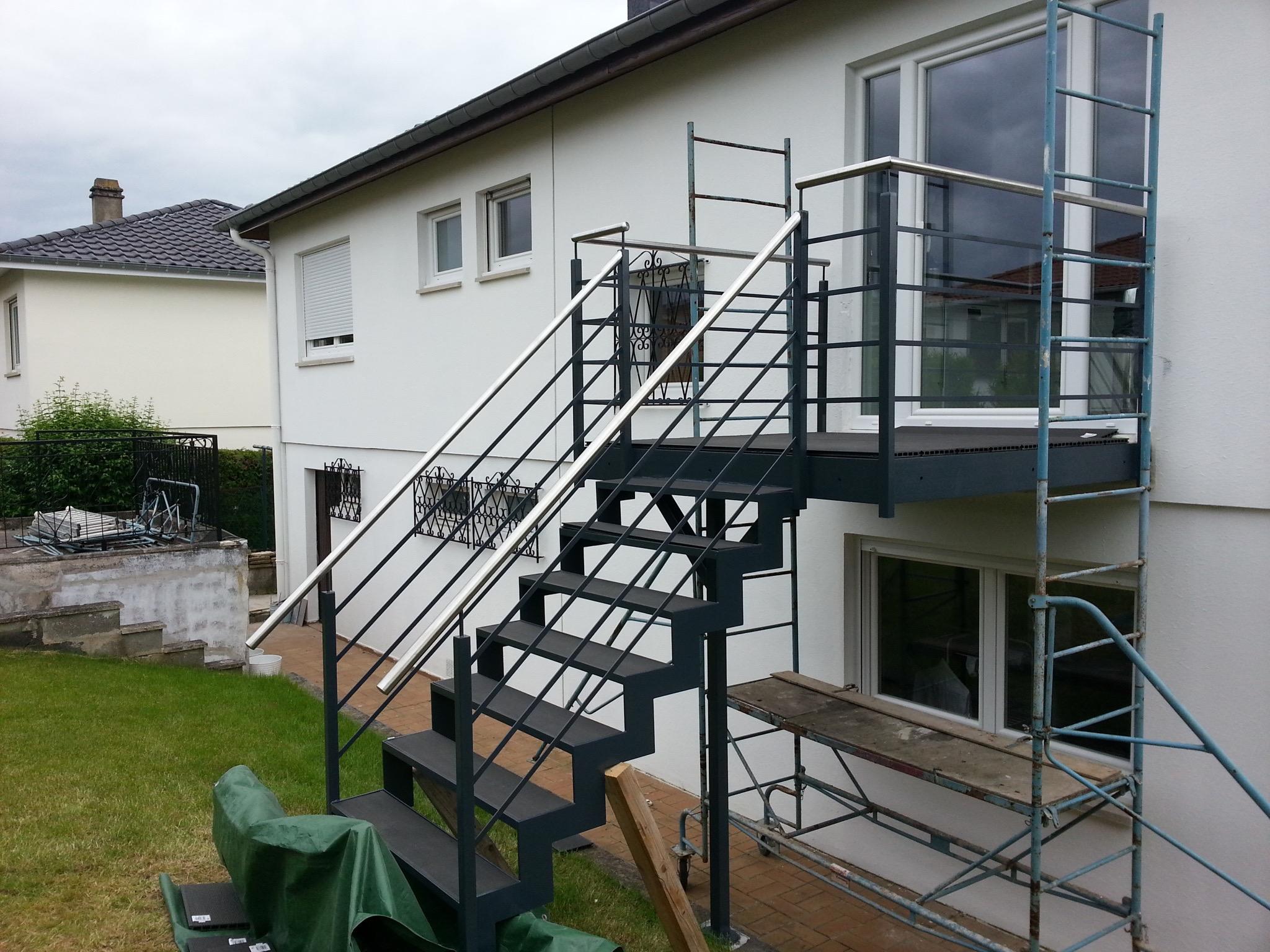 terrasse balcon m tal bs concept sp cialiste du travail du m tal et des structures metalliques. Black Bedroom Furniture Sets. Home Design Ideas
